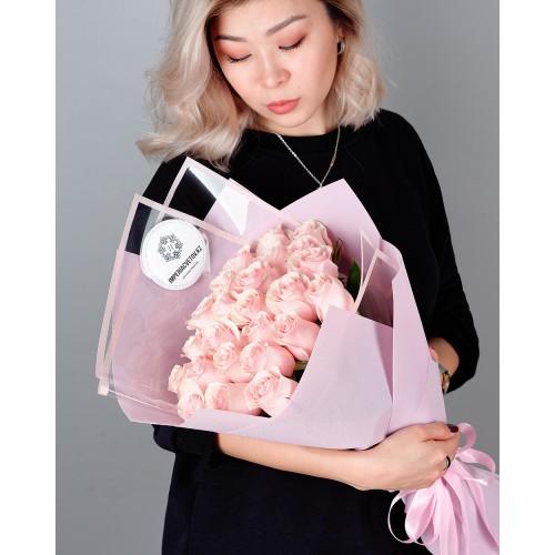 Купить на заказ Заказать Букет из 25 розовых роз с доставкой по Темиртау с доставкой в Темиртау