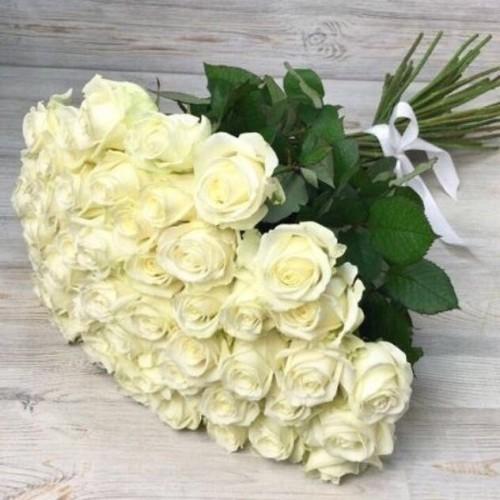 Купить на заказ Заказать Букет из 51 белой розы с доставкой по Темиртау с доставкой в Темиртау
